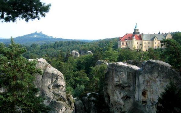 4 680 Kč za ubytování na 6 dní na zámku pro 2 s polopenzí plus plno zážitků, relaxu a sportovní zábavy! Přijeďte si vychutnat klid a pohodu v romantickém Zámku Hrubá Skála, v Českém ráji. Zažijte neopakovatelnou atmosféru tohoto šlechtického sídla s bohatou historií. Během dne můžete navštívit blízké vyhlídky, či se vydat na romantické procházky Hruboskalskem, zahrát si beach volejbal, nebo využít fitness.Český ráj, perla naší přírody.
