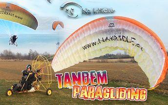Tandemový paragliding motorovým křídlem v délce 15 minut s možností prodloužení letu na 30, 45 nebo 60 minut. Součástí adrenalinového balíčku je krátké proškolení a příprava, zahrnující zapůjčení nezbytného vybavení. Poznejte krajinu Frýdeckomístecka a Beskyd z ptačí perspektivy.