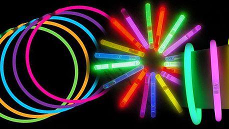 Super nabídka za úžasnou cenu! 50 kusů různobarevných svítících náramků za úžasnou letní cenu! Pouhých 99 Kč