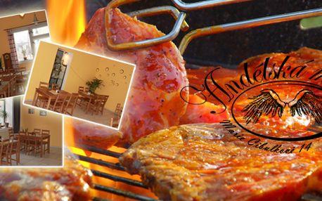 Nálož pro dva: 400g chateubriand s grilovanou zeleninou nebo 400g Lobkowické zkřížené meče a nebo 400g mix grill s grilovanou zeleninkou! Náš degustátor pro Vás připravil grilované speciality z pravé svíčkové!