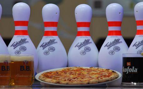 Dvě hodiny bowlingu (až pro 8 hráčů), 2 piva nebo Kofoly a výtečná italská pizza (průměr 30 cm) v centru Prahy!
