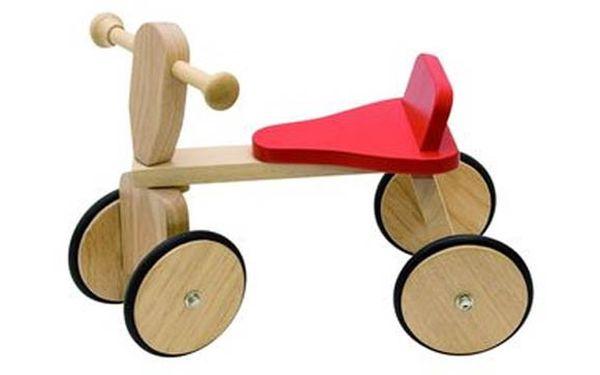 KRÁSNÉ DŘEVĚNÉ ODRÁŽEDLO pro všechny malé závodníky jen za 399 Kč! Kvalitní výrobek z masivního dřeva, který vydrží řádění vašich ratolestí. Vaše děti si jej zamilují!