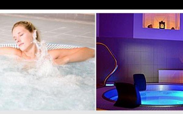 Romantika v privátní vířivce, relax, svíčky, hudba… To vše jen pro Tebe s 72% slevou! Jen za 199 Kč si dopřeješ soukromý relax ve vířivce, do níž se vejdou max. 4 osoby!