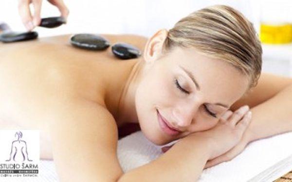 Pouhých 299 Kč za 60minutovou masáž lávovými kameny! Vyzrajte na ztuhlé svaly a objevte zázračné teplo kamenů při jedné z nejpříjemnějších masážních procedur. Tělo i mysl dokonale uvolníte ve Studiu Šarm v centru Prahy. Skvělá sleva 54 %!
