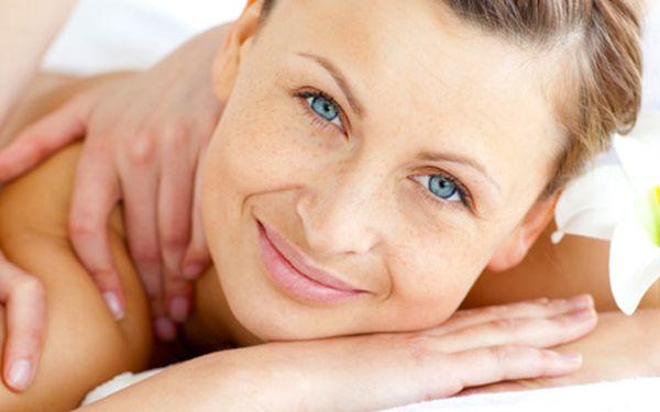 30 nebo 60minutová masáž. Na výběr klasická, sportovní, jogurtová, pomerančová, kokosová, kávová, pivní nebo exotická ovocná.