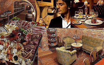 BRNO - 199 Kč za večerní menu pro 2 osoby ve vinárně Silvestr. Litrový džbánek kvalitního vína a sýrovo - uzeninový talíř 200g.