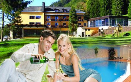 Romantický vysokohorský pobyt v rakúskom ALPENHOFE na 2, 3 alebo 4 dni! V cene aj polpenzia, fľaša sektu, sauna či neobmedzený vstup do bazéna! Na výber zimný, Veľkonočný, letný, a jesenný balík so zľavou do 53%!