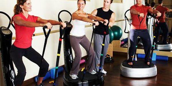 Lekce Power Plate s trenérem –půlhodinová lekce, na efektivitu cvičení dohlédne zkušený trenér. Formuje postavu a redukuje celulitidu. Zlepšuje pohyblivost a flexibilitu