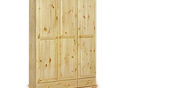 Šatní skříň z borovicového masivu – lakovaná, v přírodním barevném provedení, na jedné straně policová část a na druhé šatní tyč
