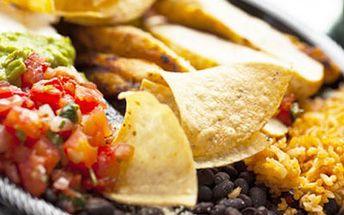 2chodové menu pro DVA v mexické restauraci Vychutejte si křupavé kukuřičné lupínky s mexickou salsou a směs kuřecího masa se zeleninou ve smetanové omáčce s nachos, gratinovaným sýrem a přílohou.