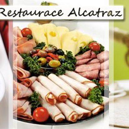 0,5l vína do džbánku a 350g obložené mísy (2 druhy sýrů, 2 druhy oliv a uzenina) v restauraci Alcatraz za úžasných 99 Kč! Vychutnejte si výborné víno ve stylovém prostředí se slevou 50%!