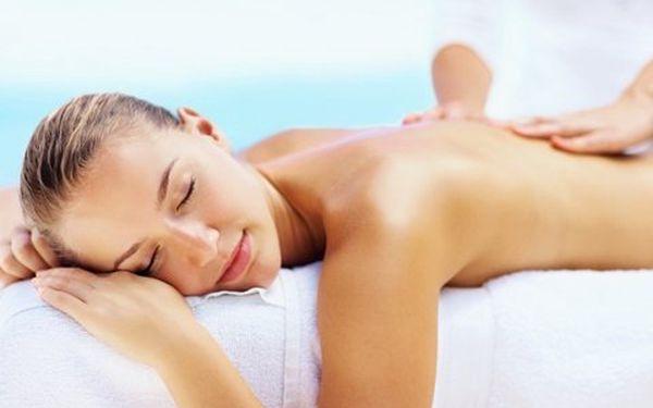 Vyberte si masáž dle chuti se 40% slevou! Láká vás přístrojová, klasická masáž zad a šíje nebo kombinace obou?
