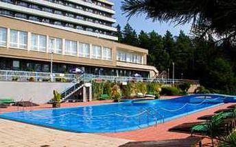 Třídenní odpočinek s polopenzí, masážemi a volným vstupem do bazénu. Přijeďte si odpočinout do krásných zákoutí Beskyd.