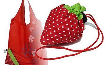 1x taška ve tvaru jahody za skvělých 35 Kč! Praktická, pevná, skladná a stylová nákupní taška. Teď už Vás nečekané nákupy nepřekvapí. Konec nevzhledným igelitkám! Skládací taška ve tvaru jahody s výběrem ze 6 barev je praktický dárek a skvělý doplněk. Sleva 56 %!