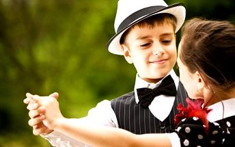 Měsíční taneční a pohybové kurzy pro děti od 5 do 13 let – nechte ve své dítěti pod dohledem zkušených lektorů rozvíjet talent a ladnost pohybu!