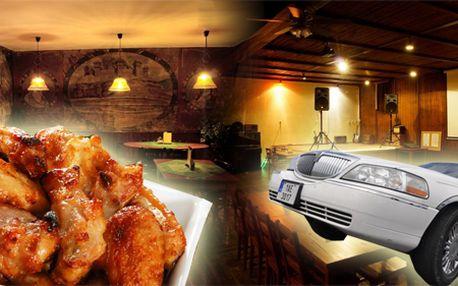Nechte se odvést luxusní limuzínou do krásné restaurace na neomezenou konzumaci neodolatelných pečených kuřecích křidélek tam i zpět!