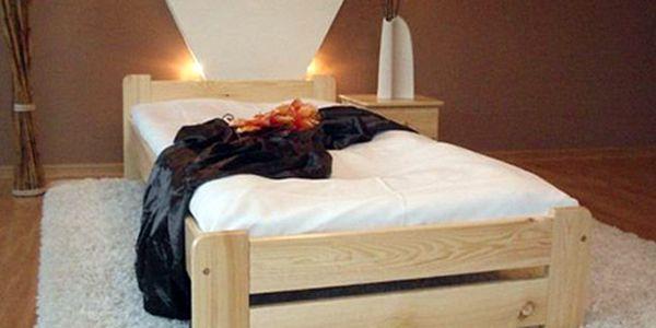 Sladký spánek a pohodlný odpočinek na posteli z masivní borovice bonell