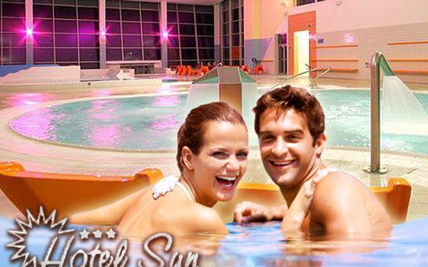 Jen 2834 Kč za třídenní pobyt pro 2 osoby na Slunečních jezerech. Neomezený vstup do wellness, welcome drink a vstup do aquaparku Senec s 58% slevou.