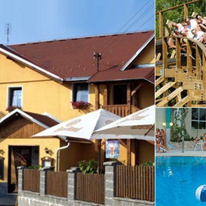 Třídenní pobyt pro dva v Krušných horách v Hotelu Švejk***. Gurmánské večeře, láhev vína na pokoji avýlety po Čechách i do Německa!