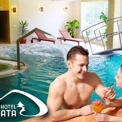 Jen 3172 Kč za ubytování pro dva s neomezeným využitím bazénu s protiproudem a podvodní masáží v Horském Hotelu Remata ***. Tenis, bowling, sauna a mnoho dalších atrakcí v třídenním pobytu s 50% slevou.