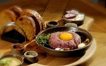 Opakování úspěšné akce! Milovníci tataráku POZOR! Za pouhých 98 Kč získejte 150g TATARSKÉHO BIFTEKU S NEOMEZENÝM POČTEM TOPINEK pro 2 OSOBY! Vychutnejte si tuhle pochoutku a to s 51% SLEVOU ve vaší oblíbené restauraci U Tomáše Štítného!