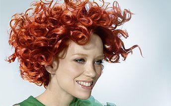 Fantastických 690 Kč za kadeřnický balíček obsahující mytí, střih, barvu nebo melír a konečnou úpravu! Dopřejte si krásné a zdravé vlasy s kosmetikou Goldwell v našem kadeřnickém salonu Afrodite! Super sleva 54 %!