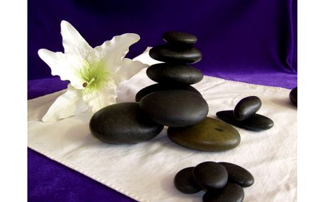 Masáž teplými lávovými kameny za skvělých ...250,-