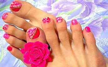 Jen úžasných 169 Kč za profesionální modeláž nehtů na nohou v Nehtovém a Relaxačním Centru DUHA Hanky Kopecké v Plzni. Krásné a upravené nožičky do jarních sandálků jsou jako perličky v kapce moře, dopřejte si je s 52% slevou:-)
