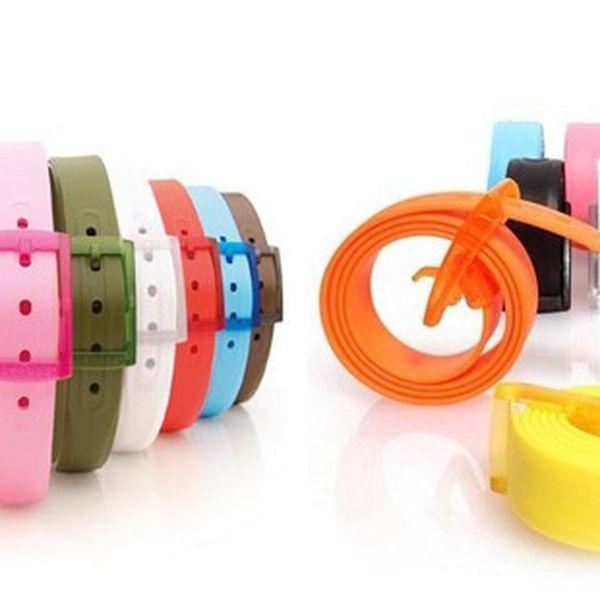 HIT roku 2012! Originální silikonový pásek v mnoha krásných barvách! NASTAVITELNÝ s odepínací sponou jen za 129 Kč!