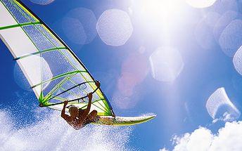 1 denní až 3 denní kurzy windsurfingu pro děti od 8 do 15 let s plnou penzí pod dohledem zkušeného instruktora u Nechranické přehrady!
