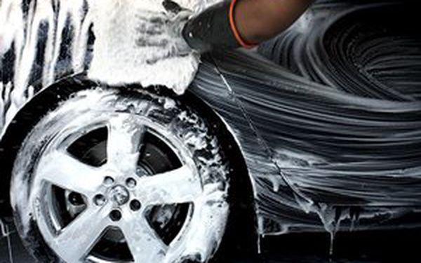 Hoďte své auto do gala a dopřejte mu totální jarní očistu již od 145 Kč! Ruční mytí, čištění , luxování ....Vyberte si z několika variant a kombinací a to vše se slevou až 52%! Svěřte své auto do rukou opravdových profesionálů ruční myčky Ústí nad Labem