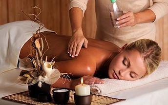 Čokoládová olejová masáž zad a krční páteře včetně čokoládového peelingu v salonu Helena na Praze 2.