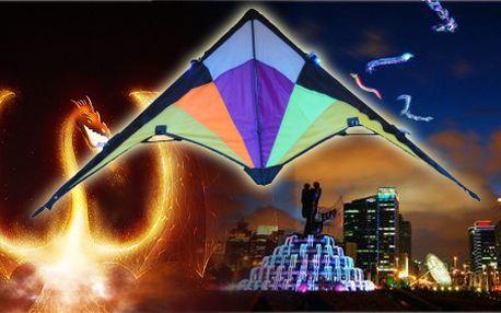 Svítící létající drak! Tato novinka posouvá pouštění draků do nových dimenzí! Drak vykouzlí na obloze nádherné světelné efekty.