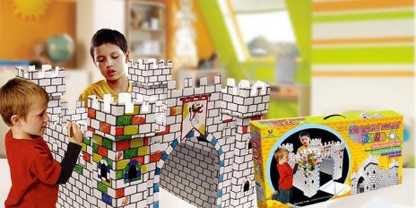 Darujte dětem dárek, který je zabaví na dlouhou dobu a bude navíc rozvíjet jejich fantazii a představivost. 3D omalovánka - hrad v rozměrech 91x91x81 cm jen za 319 Kč!