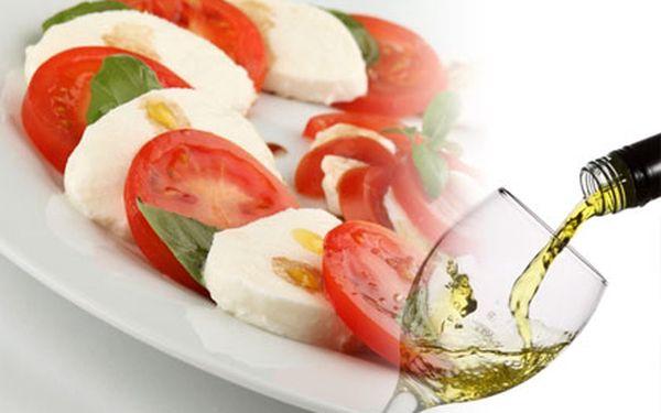 Vychutnejte si skvělý italský salát capresse a k tomu chardonnay!