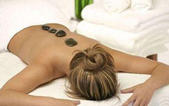 Masáž zad a šíje lávovými kameny, která zahřeje na těle i na duši a uvolní zatuhlé a namožené svalstvo