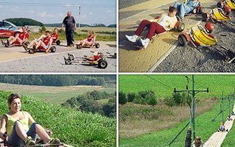 14 JÍZD na MINIKÁRÁCH Užijte si čtrnáct adrenalinových jízd v minikárách na 721 metrů dlouhé trati. Ovládání je velmi snadné a zvládnou je již děti od 2. třídy. Ideální pro rodinné či třídní výlety.