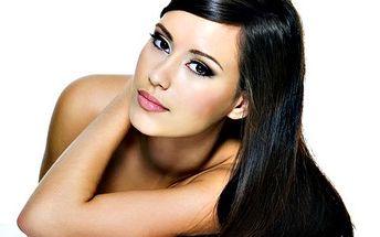 Hodinové kompletní kosmetické ošetření pleti zaručí hydrataci a lifting. V ceně: peeling, masáž, maska, závěrečná péče. Bonus: celkové líčení!