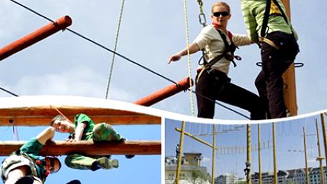 1x Vstup do LANOVÉHO CENTRA. Adrenalin a zábava pro celou rodinu. Celodenní vstup do lanového centra. Užijte si až 14 překážek a adrenalinovou houpačku ze 7 metrů. Na Vaši bezpečnost dohlédne instruktor.