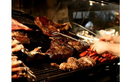 """Úžasná nabídka!!! Jen 279 Kč za 2x 250 gr. hovězího steaku """"Argentina"""" s hranolky"""