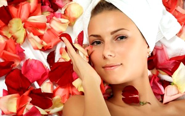 Pouze 220 Kč za kosmetický balíček s použitím galvanické žehličky. Vaše pleť opět znatelně omládne se slevou 85%
