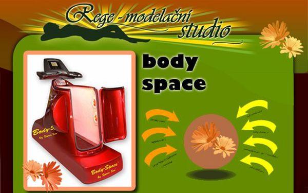 """BODY SPACE - Vacu Therm běžící pás TX5 ,,2v1"""" za 135 Kč a k tomu 10 - 20 minut VIBRO PLOŠINY! Rychlejší spalování tuků a odstraňování CELULITIDY, formování POSTAVY!"""