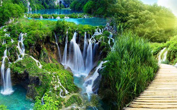 Den na Plitvických jezerech - to nejkrásnější z Chorvatska již 19. května 2012! Jarní příroda na jihu Evropy.
