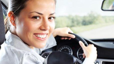 KURZ AUTOŠKOLY skupiny B: teorie i praxe Kompletní kurz autoškoly skupiny B. Praktická i teoretická příprava - 28 vyučovacích hodin. Individuální a svobodný přístup - řidičem za 1,5-3 měsíce.