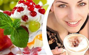 ZMRZLINOVÝ či OVOCNÝ POHÁR + KÁVA: rozmazlete své chutě Vychutnejte si zmrzlinový nebo ovocný pohár a kávu dle svého výběru. Útulné prostředí cukrárny, při krásném počasí můžete posedět na zahrádce.