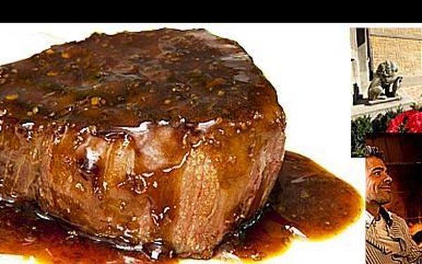 Brutální porce šťavnatého 400g exotického steaku z výběrového masa s přílohou dle vlastního výběru za 199 Kč, v luxusní restauraci u přírodní rezervace Divoká Šárka.