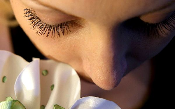 Nechte své oči vyniknout! Trvalá na řasy a barvení řas za jedinečných 185 Kč. Mějte božsky svůdný pohled a vypadejte stále skvěle!