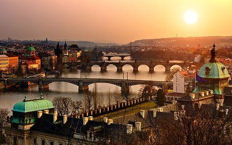 Limitovaná nabídka! 490 Kč za romantickou dvouhodinovou plavbu po Vltavě s bohatým teplým i studeným rautem. Jedinečný program na den zamilovaných s krásami Prahy z jiného pohledu.