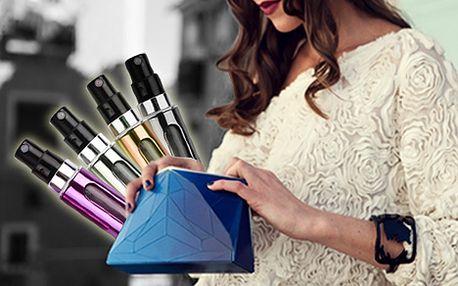 Pouze 149 Kč za plnitelný flakón na parfém o velikosti rtěnky. Komfortní plnění s elegantním designem. Mějte svoji oblíbenou vůni vždy po ruce.