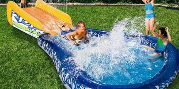 Dvojitá závodní klouzačka nebo vodní skluzavka s bazénem od 899 Kč!